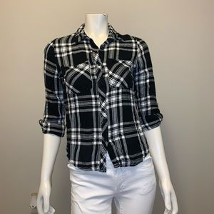 🌸 CHARLOTTE RUSSE FLANNEL BLACK AND WHITE! 🌸